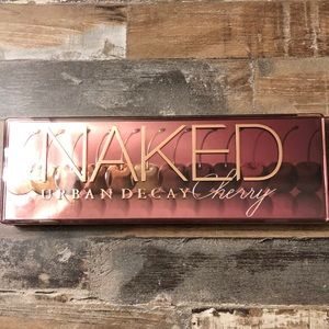 Urban Decay Naked cherry eyeshadow palette 🍒